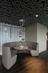 Pagolux Interieur GmbH Xanten sufity metalowe, sufity podwieszane, sufity podświetlane, usługi powlekania proszkowego części metalowych
