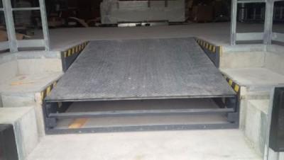 Docking Solution und Service GmbH Hannover uszczelnienia do bram przeładunkowych,  systemy załadunkowe,  rampy przeładunkowe,  rampy załadunkowe mocowane na sprężynach