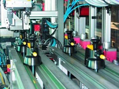 Kläger Plastik GmbH Neusäß rozpylacze z triggerem,  flakoniki do rozpylania,  zamknięcia butelek wykonane z plastiku,  rozpylacze na sprężone powietrze