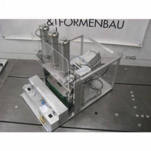 HFM Modell- und Formenbau GmbH Ostrach manometry,  budowa przyrządów i uchwytów,  usługi frezowania CNC,  formy do laminowania