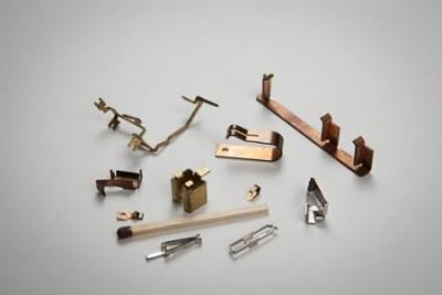 Blech-Tec GmbH Sauerlach maszyny do krawędziowania blach,  sprężyny do celów technicznych,  części wytłączane i gięte,  sprężyny kontaktowe