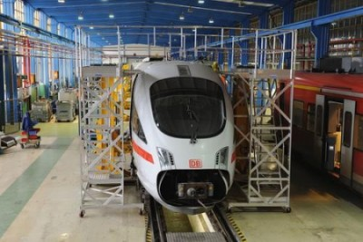 KRAUSE-Werk GmbH & Co KG Alsfeld platformy sceniczne,  drabiny platformowe,  schody z aluminium,  platformy do konserwacji samolotów