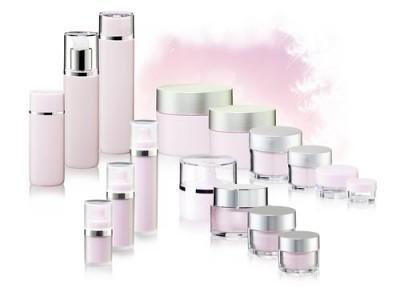Louvrette GmbH design x packaging Kierspe Artykuły z tworzyw sztucznych,  element formowane wtryskowo z tworzyw sztucznych do produkcji maszyn,  opakowania plastikowe,  materiały opakowaniowe z tworzyw sztucznych