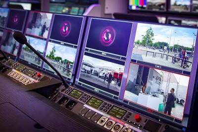 Riedel Communications GmbH & Co. KG Wuppertal Firma elektroniczna, Firma nadająca i produkująca programy telewizyjne, Sklep ze sprzętem audiowizualnym,